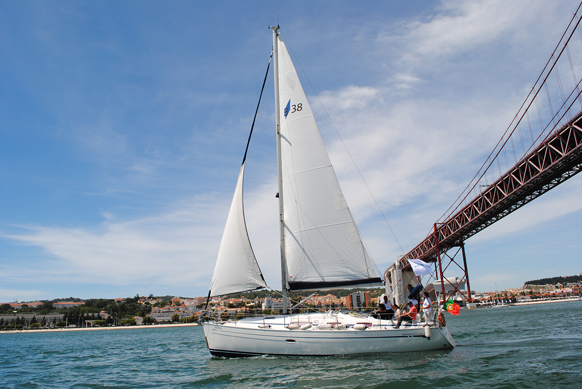 Experience Beautiful Scenic Sunset Cruise Lisbon